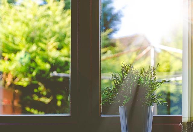 dom okno słońce